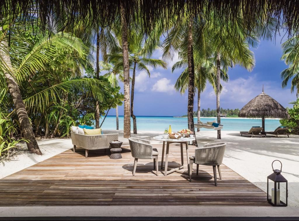 One & Only Reethi Rah​ water bungalows