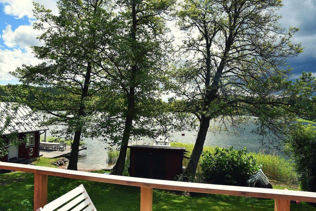 Idyllic Lake Cabin Near Stockholm