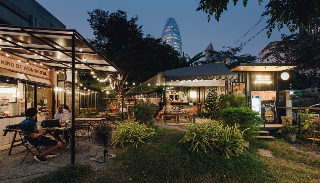 The Yard Hostel Bangkok​