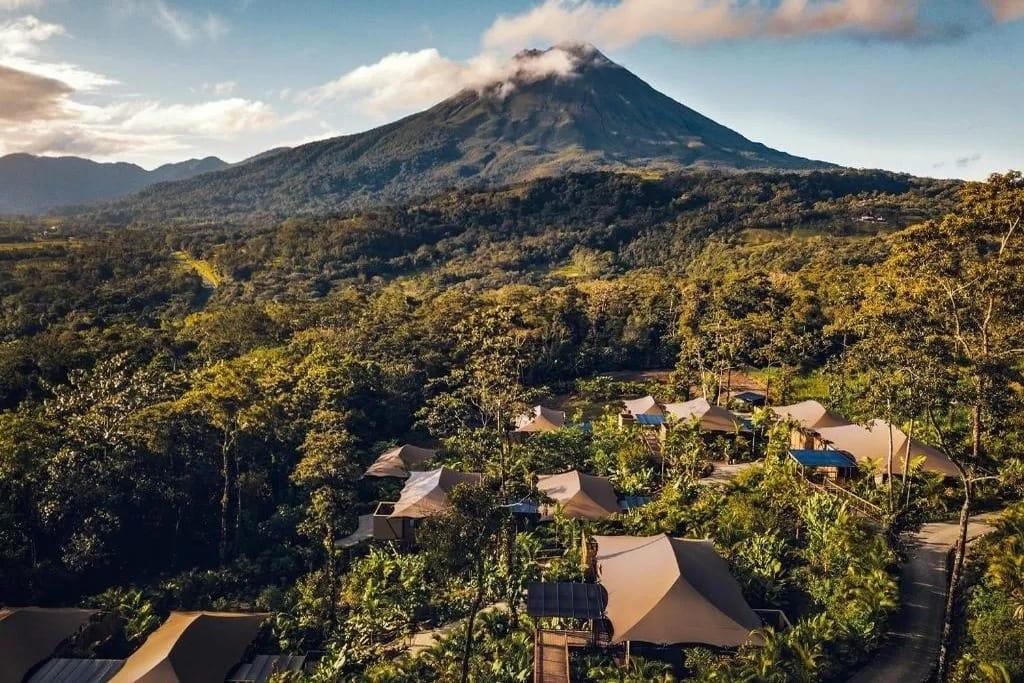 Luxury_camping_in_costa_rica